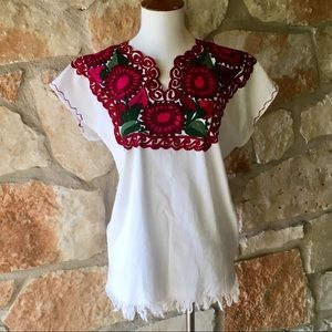 Tops - 🇲🇽 New Beautiful Embroidered Mexican Top